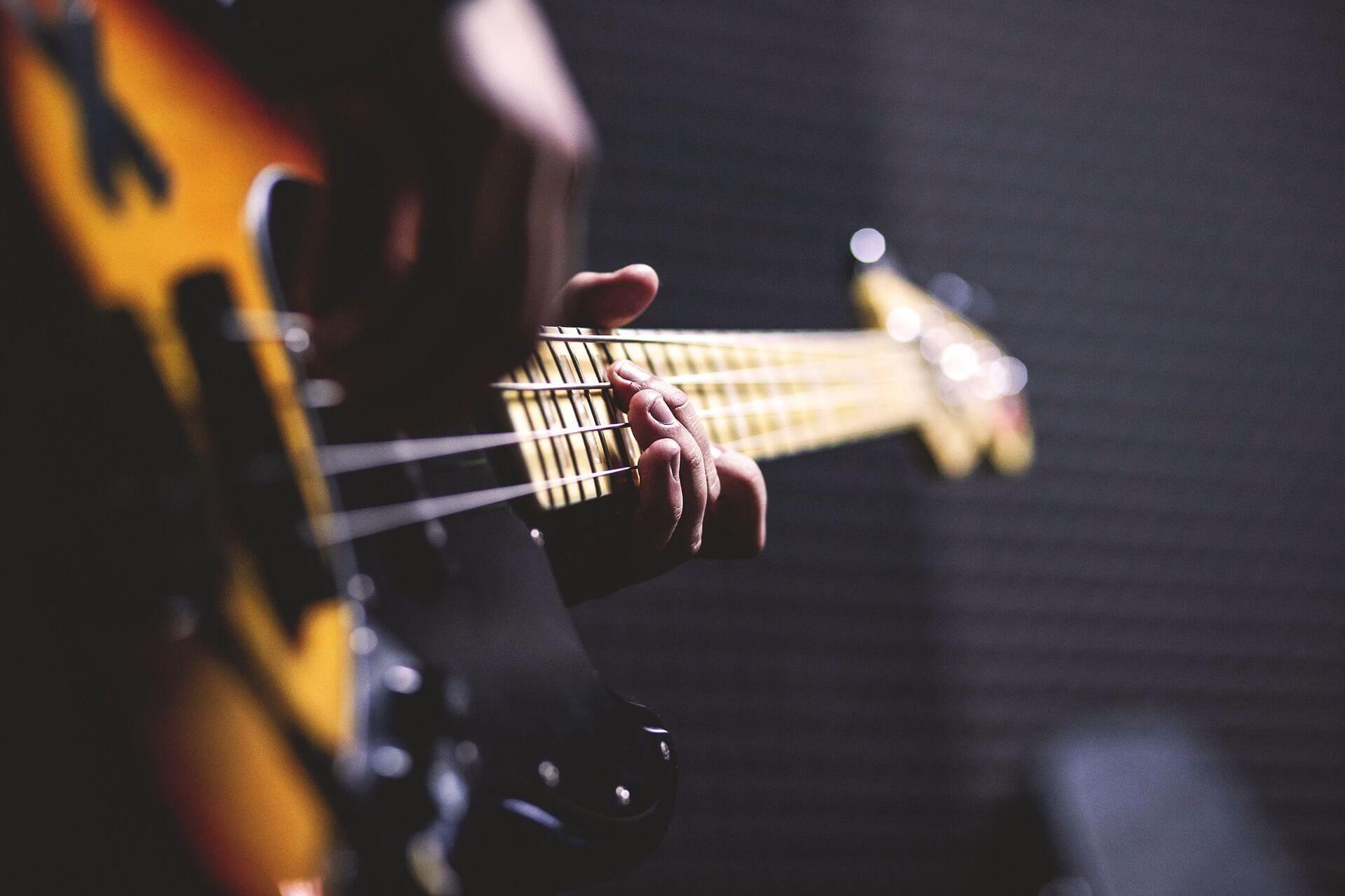 web_Bass_Gitarre_Pexels_Pixabay (1)